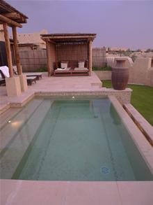 villa_pool2.jpg